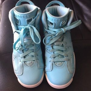 22e90e04fefa Jordan Shoes - PRICE DROPPED!Jordan Retro 6- light blue!
